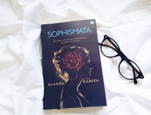 Review Buku Novel Sophismata oleh Alanda Kariza