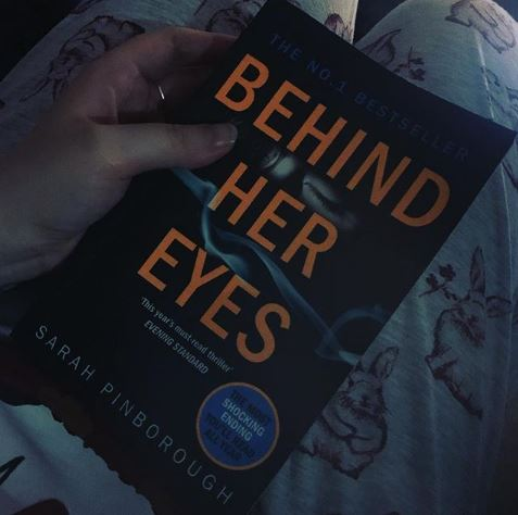 Review Buku Novel Behind Her Eyes