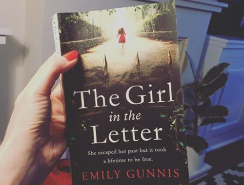Review Buku Novel The Girl in the Letter Emily Gunnis
